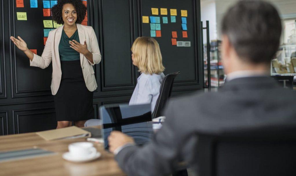 Bachelor E-Commerce – Académiciens Academy Numérique – Team bulding équipe stratégie marketing réunion